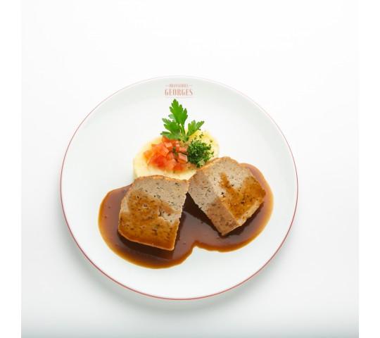 Pain de viande de veau rôti, purée à l'huile d'olive