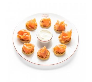 Blinis au saumon fumé et crème aigrelette